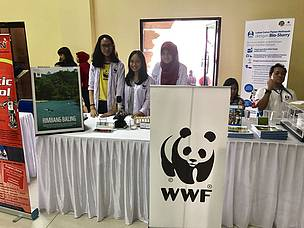Me with the other volunteers of WWF-Indonesia Panda Mobile.